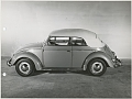 VW - 1956 - Beetle, Oval, Beetle Convertible, VW press pictures - Käfer Cabrio geschlossen S/W - [9284]